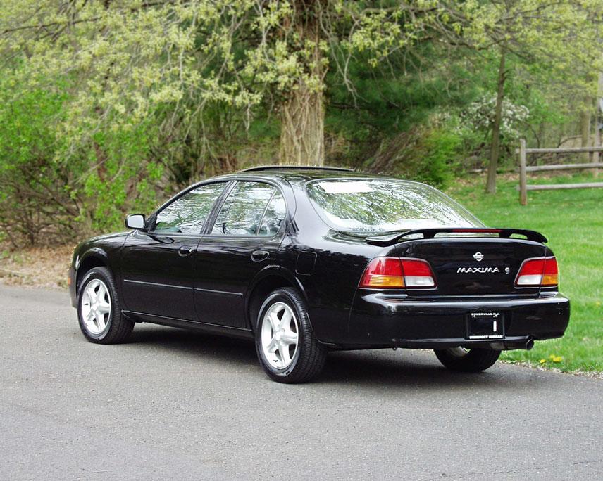 Bob S 1997 Nissan Maxima Se
